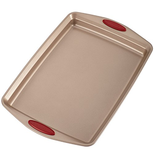 Rachael Ray Cucina Nonstick Bakeware 10-Piece Set, Latte Brown with Cranberry Red Handle Grips by Rachael Ray (Image #9)