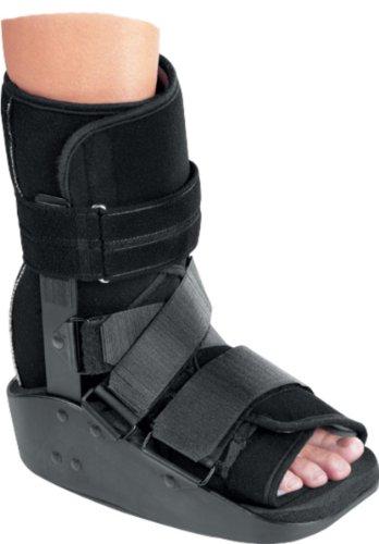 MaxTrax Short Walker Fracture Cast Boot, Medium