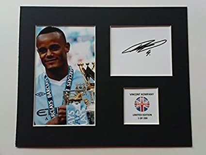 3c5ee1f3de4 LIMITED EDITION VINCENT KOMPANY SIGNED DISPLAY PRINTED AUTOGRAPH ...
