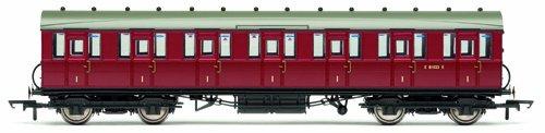 Hornby R4518A LNER Gresley Non Vestibuled Suburban 3rd Brake