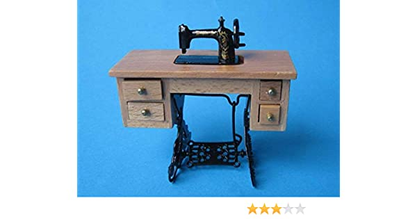 Amazon.es: CREAL SàRL Casa de muñecas Noble Máquina de coser Roble ...