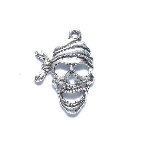 (Shipwreck Beads Zinc Alloy Pirate Skull Pendant, 19 by 27mm, Silver, 40-Pack)