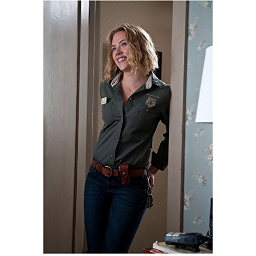 We Bought A Zoo Scarlett Johansson As Kelly Foster Leaning Against Doorway In Zoo Uniform 8 x 10 Inch Photo