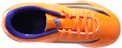 Adidas F5 Indoor es un zapato de fútbol para los niños con un diseño llamativo y es adecuada para naranja