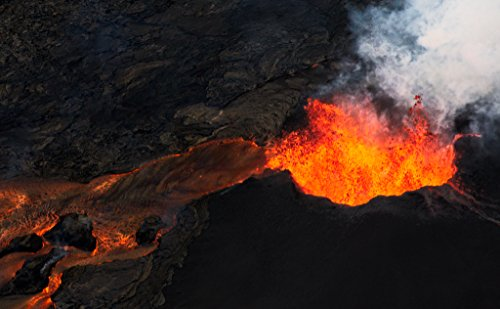 'Early Days Fissure 8' Kilauea East Rift Zone 2018 lava Erup