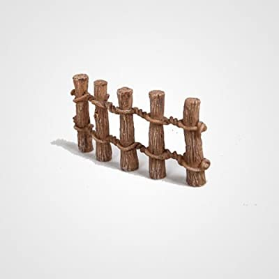 Miniature World MW03-023 Wooden Post Fence Ornaments - Brown (Pack of 2)