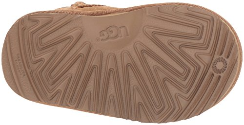 UGG Girls T Classic Short II Stars Pull-On Boot, Chestnut, 7 M US Toddler by UGG (Image #3)