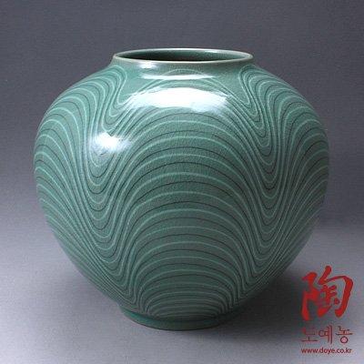 Korean Celadon Glaze Vase with Wave Design