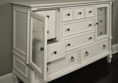 71904 Ashby Eight Drawer Chest in Patina White
