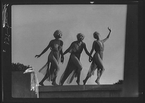 1s Fireplace (Photo: Marion Morgan dancers,women,performers,nitrate negatives,i,Arnold Genthe,1914)