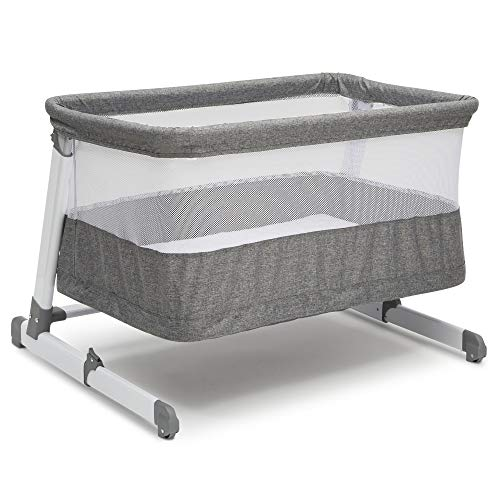 Amazon.com   Simmons Kids Room2Grow Newborn Bassinet to Infant Sleeper 1d476e2b2