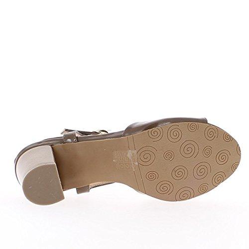 Sandales grande taille marron vernies à talon de 7,5cm