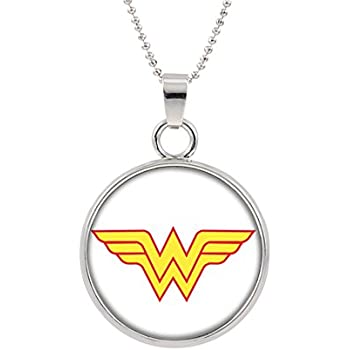 Amazon.com: Wonder Woman Logo collar colgante películas en ...