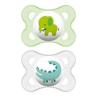 MAM Animal Collection Pacifiers (2 pack, 1 Sterilizing Pacifier Case), MAM Pacifier 0-6 Months, Unisex Baby Pacifiers, Best Pacifier for Breastfed Babies