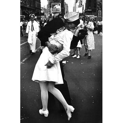 Kissing On VJ Day (War's End Kiss) Art Print Poster - 24x36 by Poster Revolution