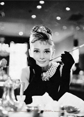 1art1 Audrey Hepburn Postcard - Breakfast at Tiffany's B/W (6 x 4 - Postcard Breakfast
