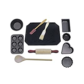 R&M International 2252 Junior Cookie and Baking Set, Includes Pans and Tools, 11-Piece Set 1 Junior-sized baking set makes a great gift! Includes: Cookie Sheet, Mini Pie Pan, Mini Muffin Pan, Mini Loaf Pan, Mini Heart Pan , 2 Tart Pans, Wood Spoon, Mini Rolling Pin, Pastry Brush, and Spatula Real mini kitchen tools and bakeware