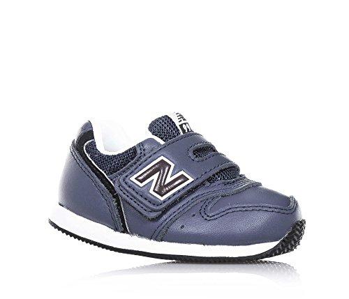 NEW BALANCE - Zapatilla deportiva azul, de cuero y microfibra, con cierre de velcro, logo latetral y posterior, costuras decorativas, Niño, Niños Azul