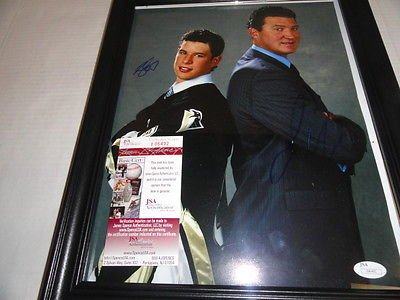 Mario Lemieux Framed Photo (SIDNEY CROSBY & MARIO LEMIEUX SIGNED FRAMED PITTSBURGH PENGUINS 11X14 PHOTO)