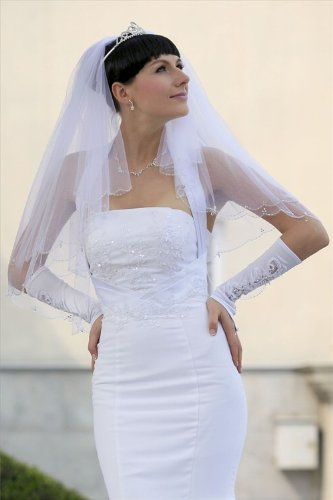 Bridal Veil Diamond (Off) White 2 Tiers Fingertip Length Scallop Edge In Beads