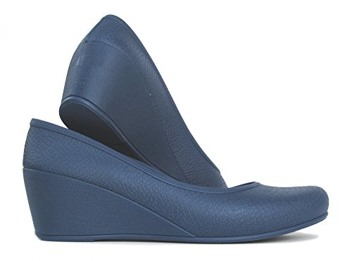 A Pair of Wedge with Thermoplastic Rubber (TPR) Heels