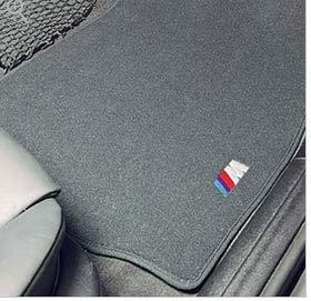 - BMW 82-11-1-470-372 FLOORMAT