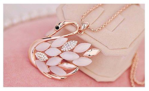 [Mr Rabbit The New Popular Cat Stone Temperament Diamond 24K Gold Swan Long Necklace] (Costume Rental Austin)