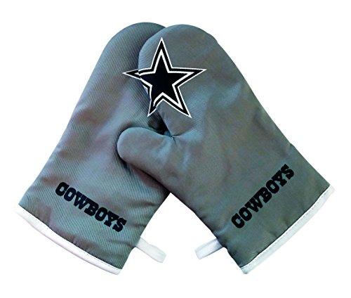 NFL Crossover Oven Mitt and Pot Holder Set (Dallas Cowboys) (Dallas Vapor Jet Gloves compare prices)