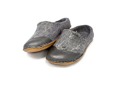 Handmade gray felted wool clogs for women decorated with linen and leather by BureBure