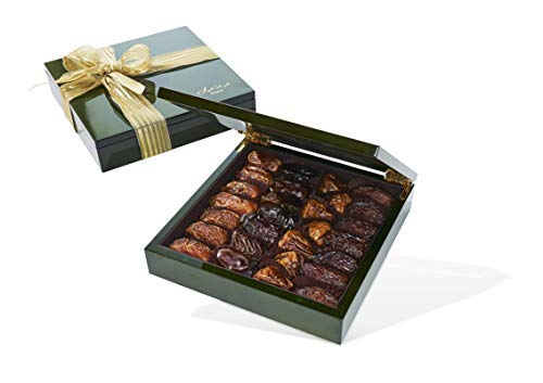 Olive Green Wood Gift Box with Gourmet Dates (28 Pieces) - http://coolthings.us