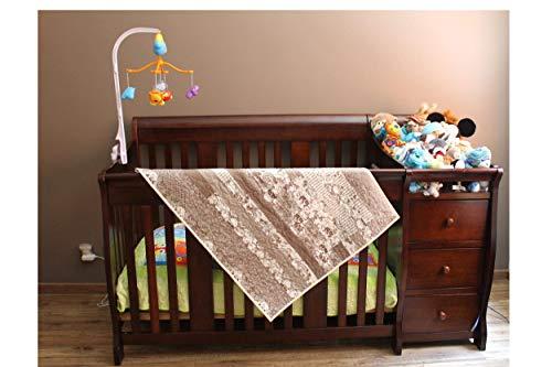 Frazada de bebé con tela de algodón elaborada con técnica de acolchando y patchwork, con minky en la parte posterior,...