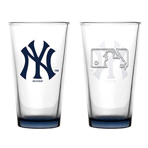 New York Yankees Embossed Pint Glass 16 oz. (2 ()