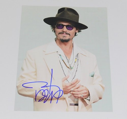 Charlie and the Chocolate Factory Johnny Depp Signed Autographed 8x10 Glossy Photo - Glasses Bass Bill