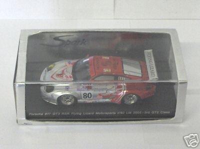 SPARK 1/43 - S0915 PORSCHE 911 GT3 RSR #80 FLYING LIZARD M/SPORTS LE MANS 2005 ()