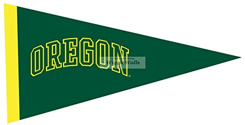 9 Inch Pennant Flag UO University of Oregon Ducks Yellow Green O Logo Removable Wall Decal Sticker Art NCAA Home Decor 9 1/2 by 4 3/4 Inches -