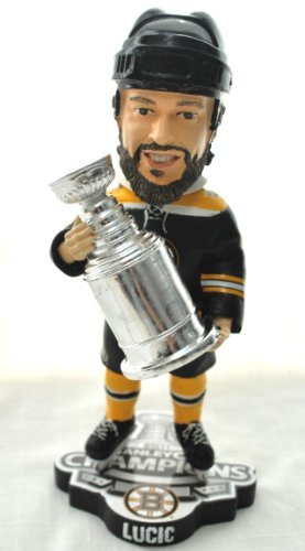 BOSTON BRUINS MILAN LUCIC #17 NHL OFFICIAL 2011 STANLEY CUP TROPHY CHAMPIONSHIP BOBBLEHEAD BOBBLE