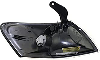 DAT AUTO PARTS Front Signal Light Assembly Corner of Fender Replacement for 97-99 Toyota Camry TO2530126 Left Driver Side
