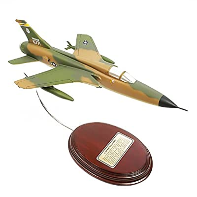 Mastercraft Collection Republic F-105 Thunderchief Supersonic Fighter Bomber Jet Mach 2 USAF Air Force Vietnam War Thud Model Scale:1/6