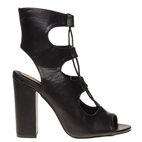 Sandals Black Sole Black Sandals Black Sole Sole Cruela Cruela Cruela Black Sandals Black 7qgE4Xgw