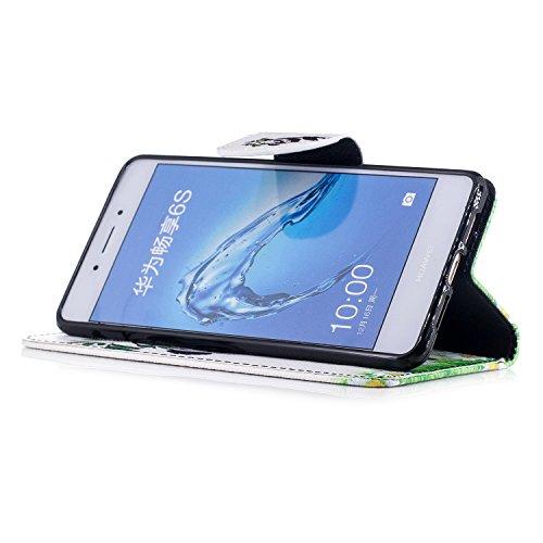 Para Huawei Honor 6C funda, (Panda tímido) caja del teléfono de la PU patrón en pintado ,Función de Soporte Billetera con Tapa para Tarjetas soporte para teléfono Panda jugando bambú