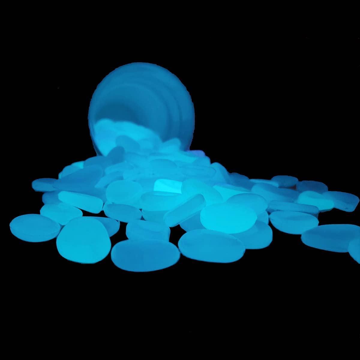 NOVAVOJO Glow in The Dark Garden Rocks 100Pcs Pebbles for Crafts and Outside Decorations,Fish Tanks,Flower Pots,Aquarium,Stepping Stone in Blue