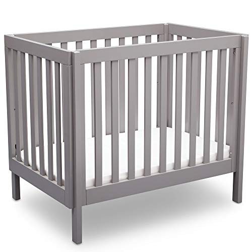 Delta Children Bennington Elite Mini Crib with Mattress, Light Grey ()