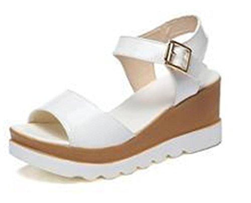 pendiente de verano con femenino de los estudios sandalias de la hebilla de las sandalias de tacón alto sandalias de las mujeres ocasionales White