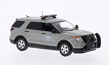 Ford PI Utility Police Rhode Island State Police  Model Car Ready-made & Amazon.com: Ford PI Utility Police Rhode Island State Police ... markmcfarlin.com