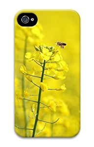 Bee pollinating a flower PC For Apple Iphone 4/4S Case Cover