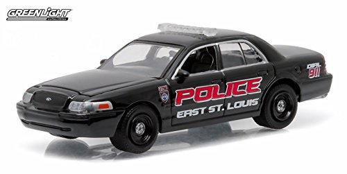 Review FORD CROWN VICTORIA POLICE