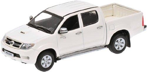 Toyota Hilux 2006 Diecast Model Car Amazon Co Uk Toys Games