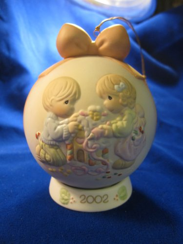 Precious Moments Home Sweet Home Dated 2002 Ornament/Figurine 104208 [Home]