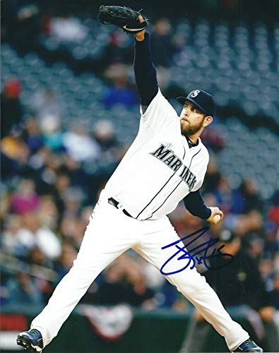 Autographed James Paxton 8x10 Seattle Mariners Photo ()