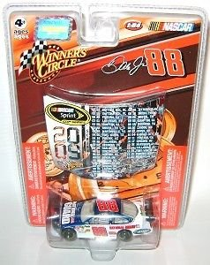 88 National Guard Car - 2009 Dale Earnhardt Jr #88 National Guard AMP Mountain Dew Winners Circle 1/64 Scale & 2009 Sprint Cup Schedule Magnet Hood
